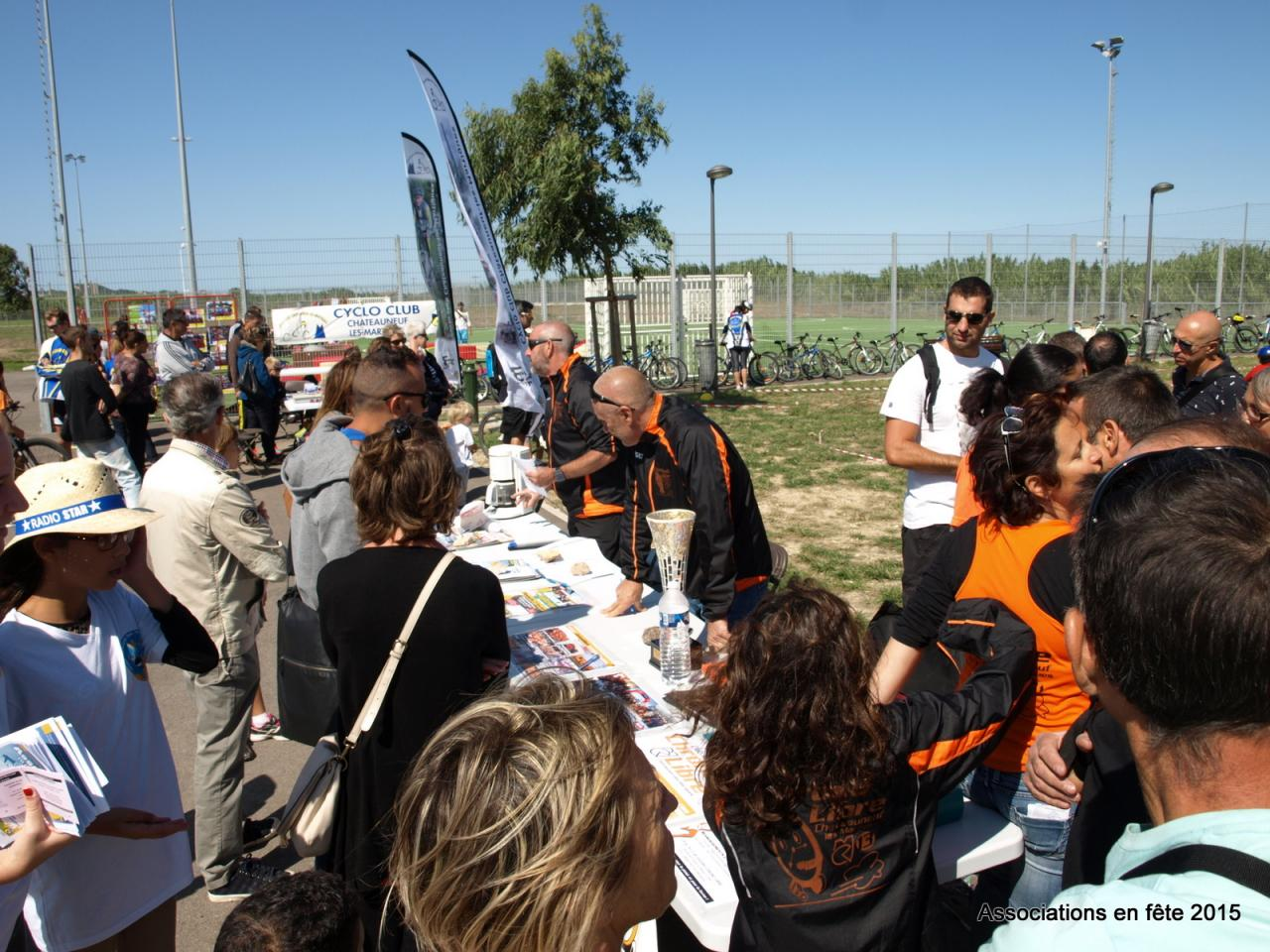 05092015 associations en fete chateauneuf CL (12)